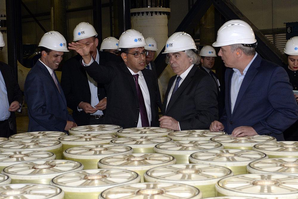 Then-U.S. Secretary of Energy Ernest Moniz (front, second from right) visits Israel's Sorek water desalination plant in April 2016. Credit: U.S. Embassy Tel Aviv.