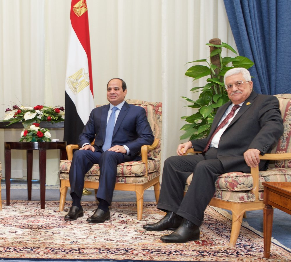 Egyptian President Abdel Fattah El-Sisi (left) and Palestinian Authority President Mahmoud Abbas in March 2015. Credit: U.S. State Department.
