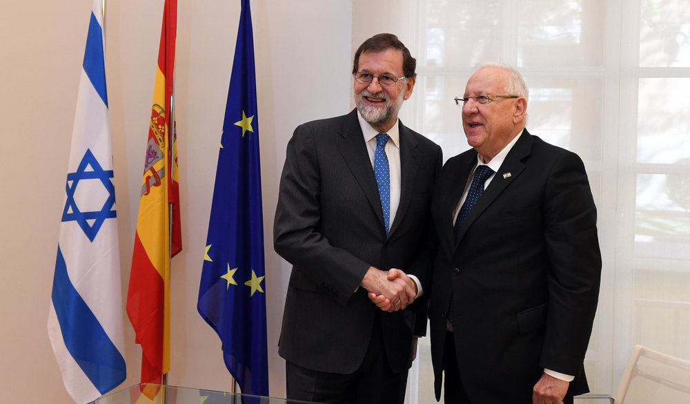 Israeli President Reuven Rivlin (right) meets with Spanish Prime Minister Mariano Rajoy on Tuesday. Credit:Haim Zach/GPO.