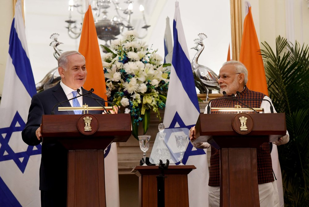 Israeli Prime Minister Benjamin Netanyahu and Indian Prime Minister Narendra Modi make a joint appearance in India on Monday. Credit:Avi Ohayon/GPO.