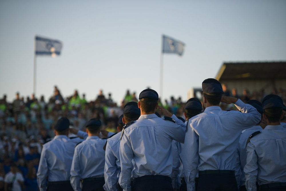 Israeli Air Force (IAF) soldiers who completed the IAF's flight course are pictured during a graduation ceremony held at the Hatzerim Air Base in southern Israel's Negev desert on June 25, 2015. Credit: IDF Spokesperson's Unit/Flash90.