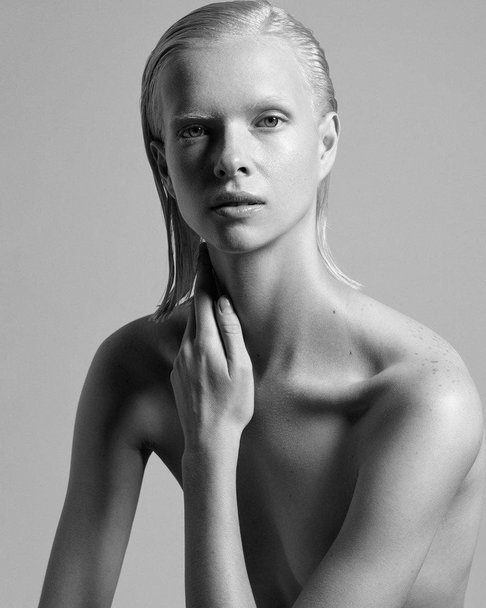 Alyona-Portrait-1b.jpg