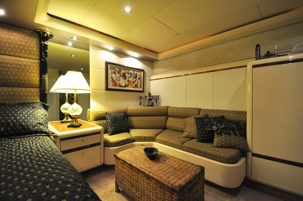 56 - Master sitting area.JPG