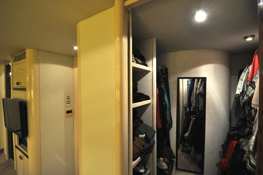 59 - Master suite walk-in closet.JPG