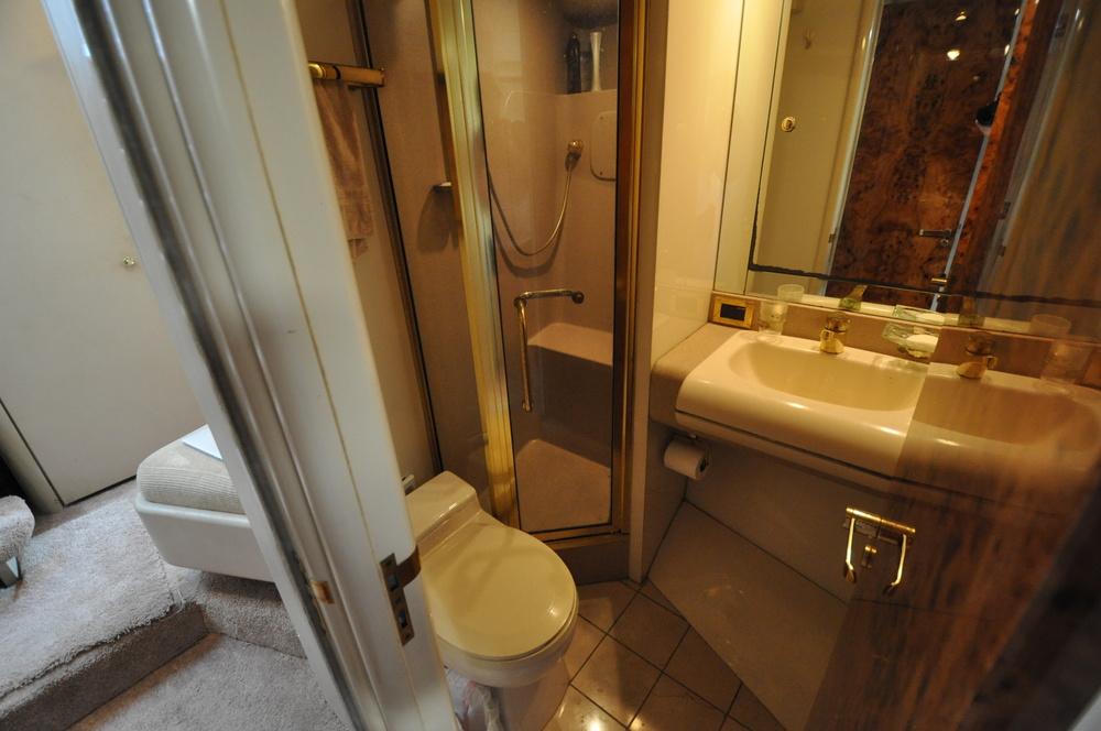 87 - VIP suite 2 head.JPG