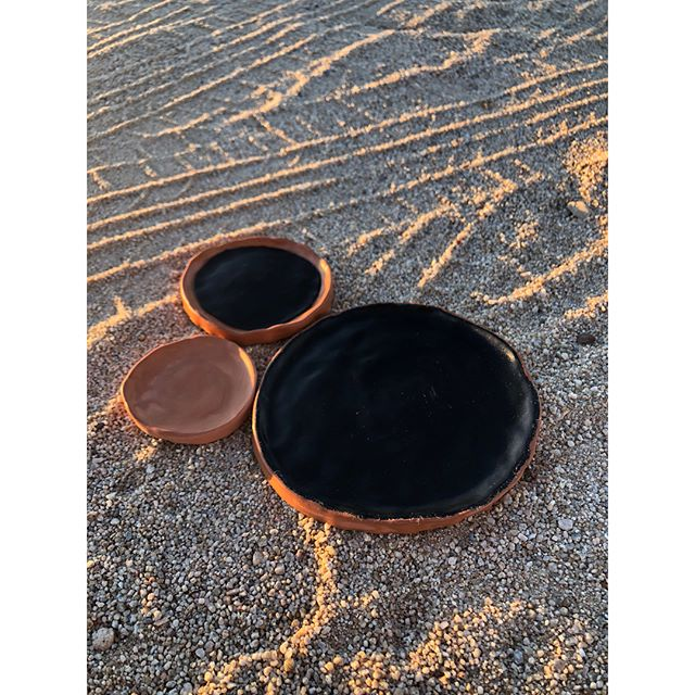 3 piece leather inlay/terra-cotta tray set. Always love making these✨ Thank you @westerndesertstudio for helping me procure clay/kiln in this new strange desert land I call home & studio. Great to have helpful creatives as neighbors. 🙌🏻