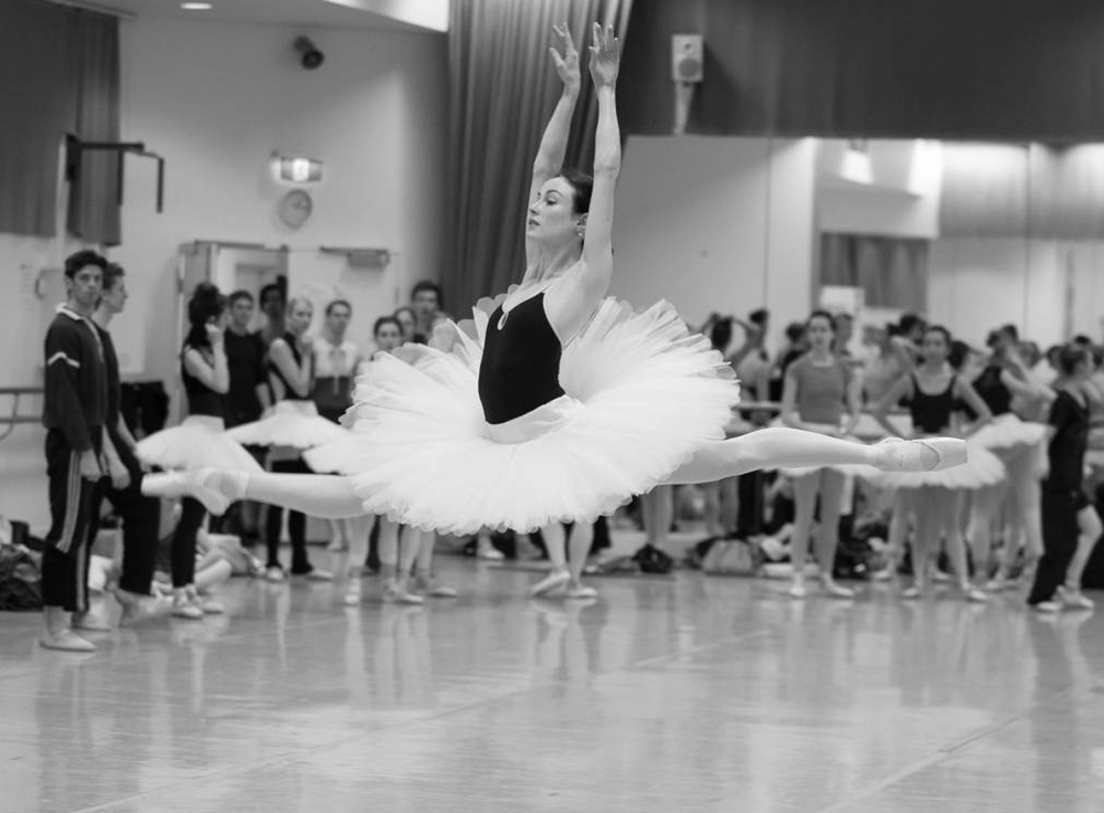 The Australian Ballet's Amber Scott rehearsing for Stephen Baynes' Swan Lake (Image credit: Lynette Wills)