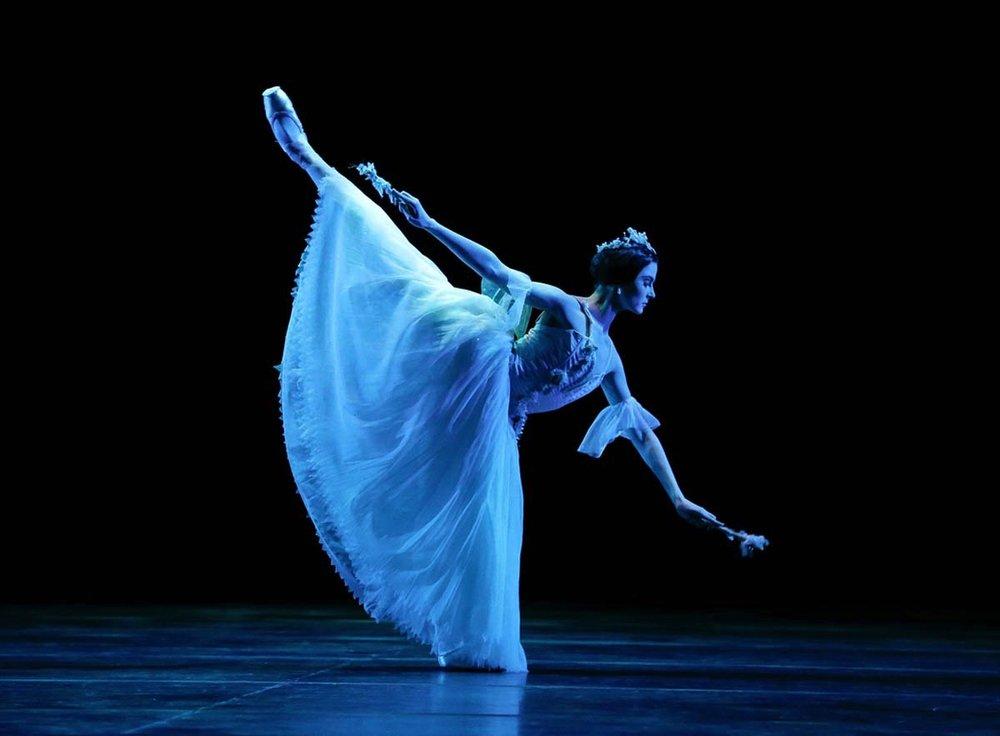 The Australian Ballet's Valerie Tereshchenko as Myrtha, Queen of the Wilis, in  Giselle , 2018 (image credit: Jeff Busby)