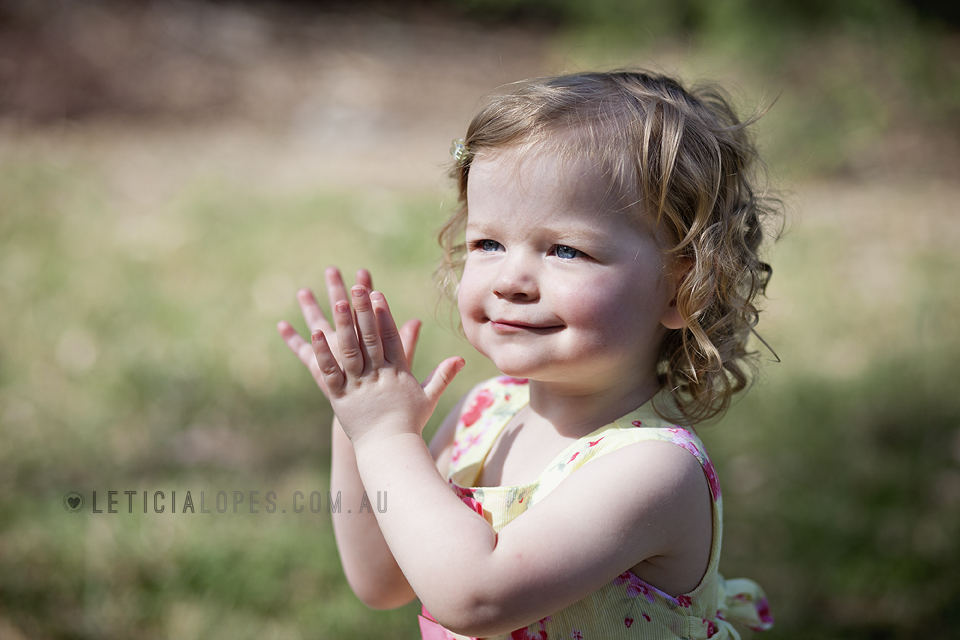 little-girl-clapping-hands.jpg