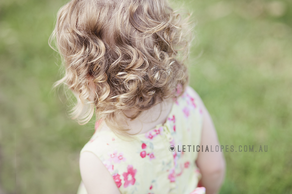 little-girl-curly-hair-detail-shot.jpg