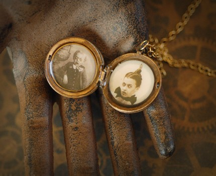 halloween, halloween jewelry, ghost phtoto, creepy pictures, ghosts, freaks