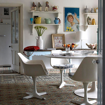 retro decor retro design saarinen table tulip chairs vintage style vintage - Retro Decor