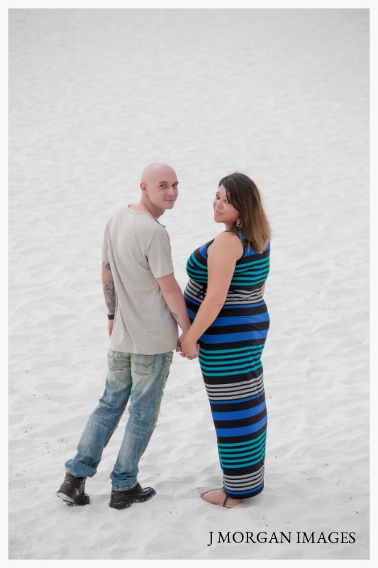 BEACH MATERNITY COUPLES SESSION