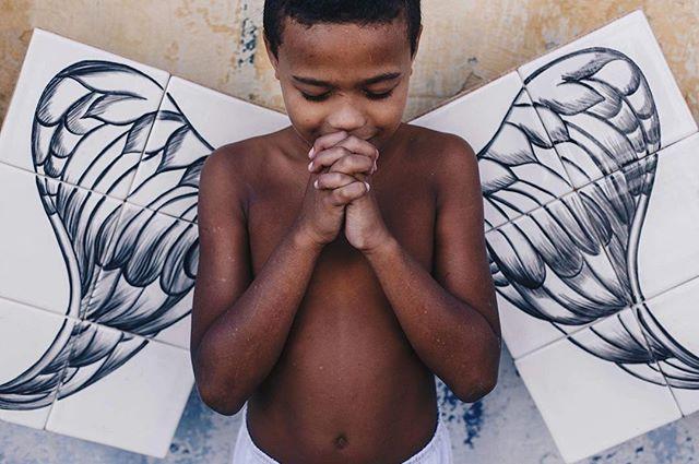 Iago lindo para a exposição Anjos Negros ❤️