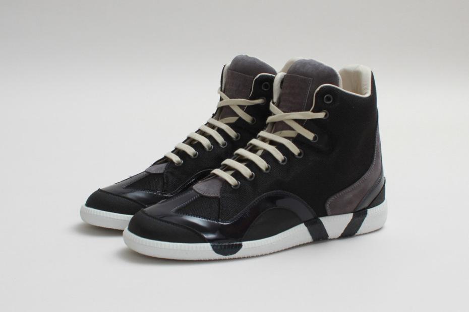 maison-martin-margiela-2013-fall-winter-high-top-sneaker-black-grey.jpg