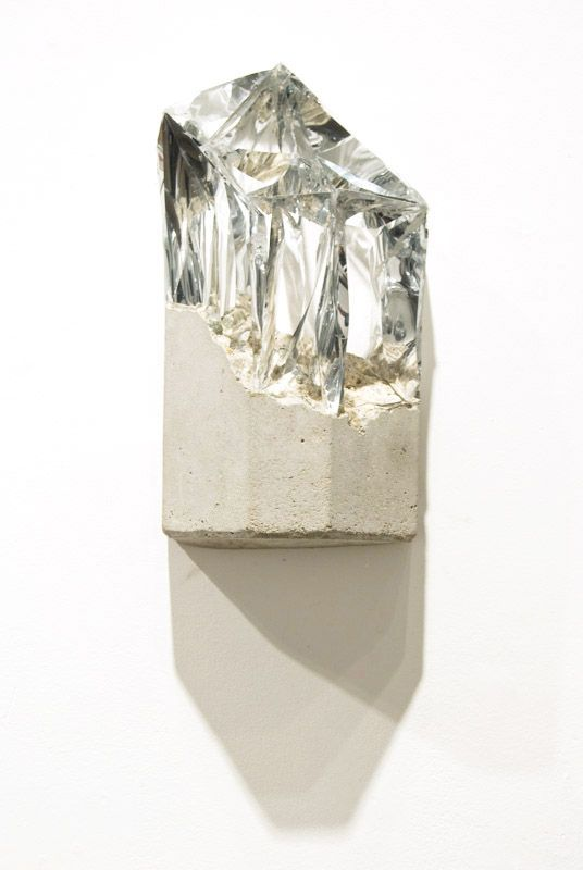 Silver and Cement / Richard Tuttle