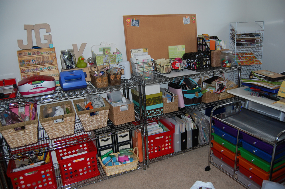organized_craft_room1.jpg