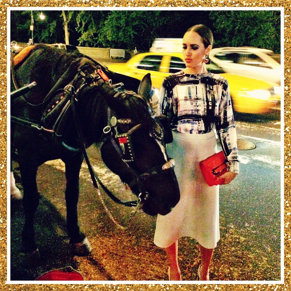 Everybody needs good Neiiiiiiighbours... Making new friends with Louise Roe by Central Park