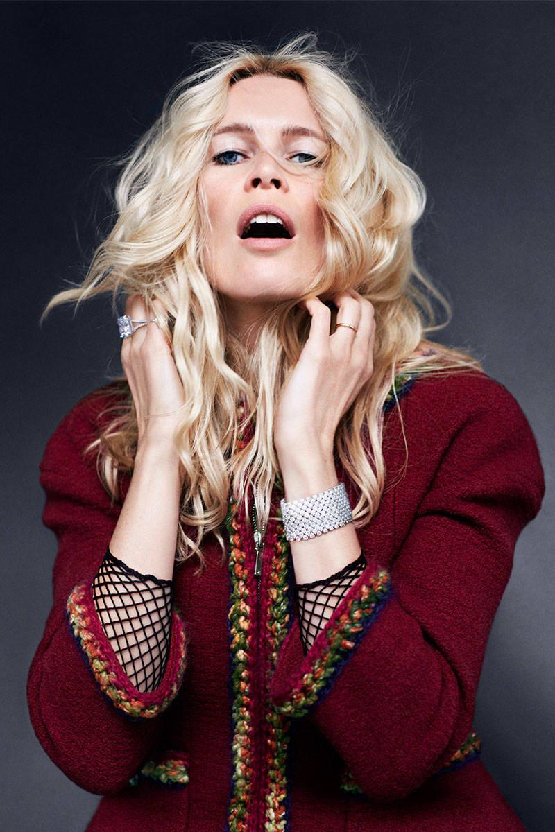 Icons-by-Carine-Roitfeld-and-Sebastian-Faena-for-Harper's-Bazaar-US-September-2014-13.jpg
