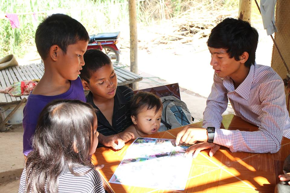 "A young Alongsider uses the comic to teach his ""little brother"" plus some neighbors"