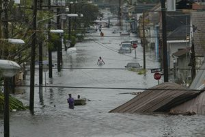 STILL WHITEWASHING HURRICANE KATRINA, FIVE YEARS LATER   ( MOTHER JONES )
