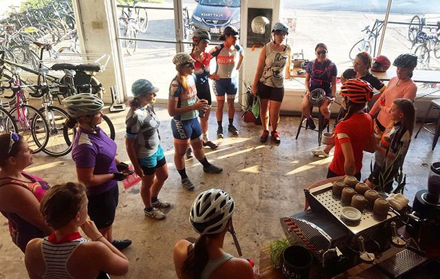 Preride talkins before the Slow Your Roll Ride this morning. We love you so much @teamsnacks #alwayshungry #snackbabezofcycling #dowhatyouwant