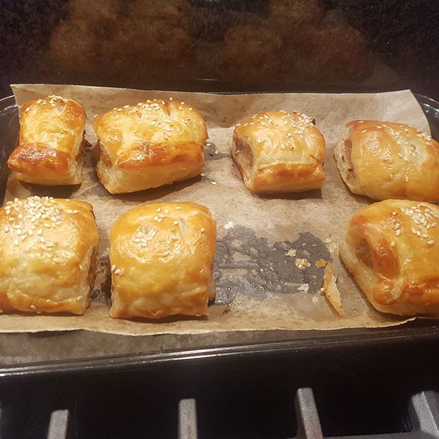 Homemade thyme and onion sausage rolls. Maybe I'm a redeemable baker after all.  #christmas #fingerfood #sausageroll