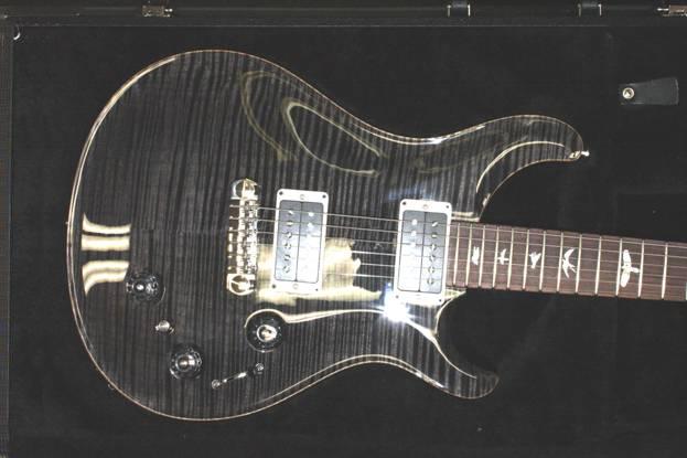 P22: Grey Black