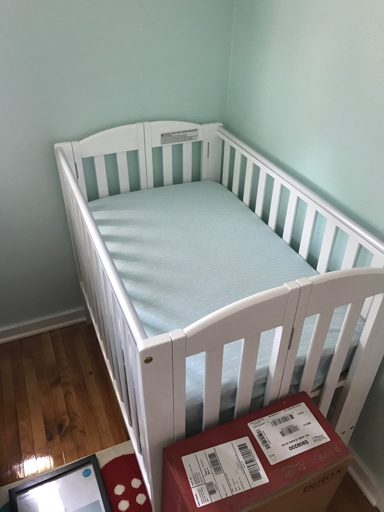 Mini Crib is in!