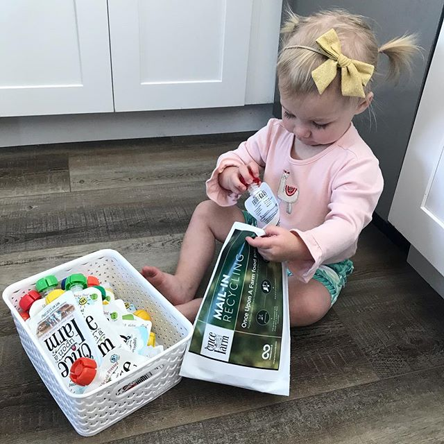 Wynnie loves her @onceuponafarm when we need a quick snack or extra vegetables - and she is such a good helper packing them up for @terracycle so they can be properly recycled! Thanks @jennifer.garner for such an awesome product! ♻️ 🍴🍎