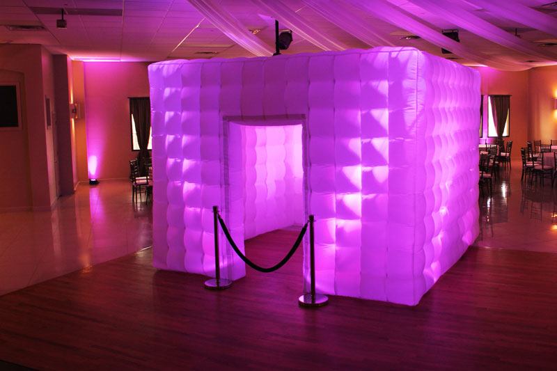 inflatablephoto booth -