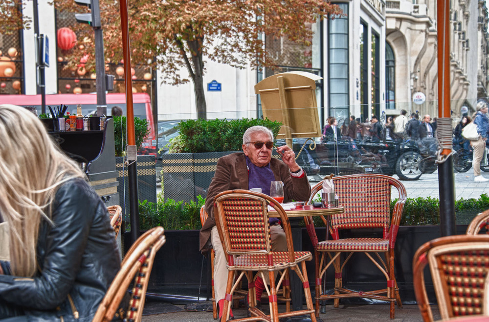 Fouquet was famous for all those artists, writes and actors in the past.  Even today in 2011 one may get a rare glimpse of someone from the past enjoying the 'see and be seen' lunch onChamps-Elysées.