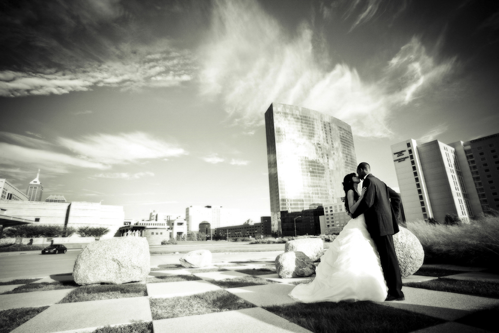 Indianapolis-wedding-photographer-JW-Marriot-Indiana-state-Museum-Crowes-Eye-Photography.jpg