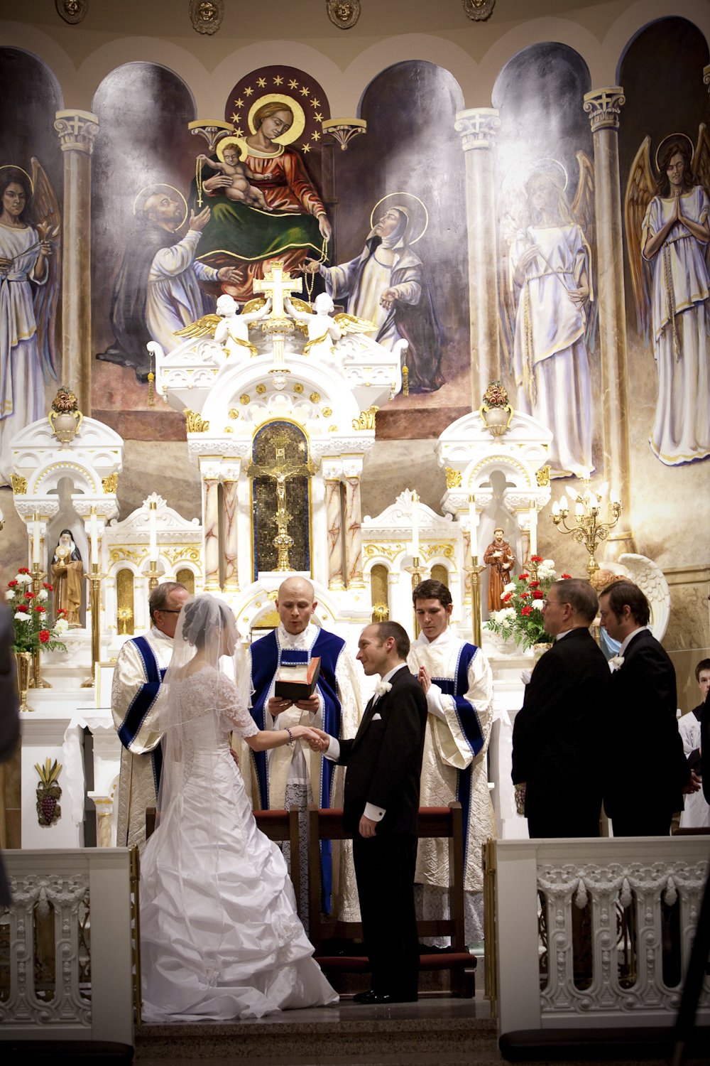 Indianapolis-Indiana-Wedding-photographer-Holy-Rosery-Catholic-church-Crowes-Eye-Photography.jpg