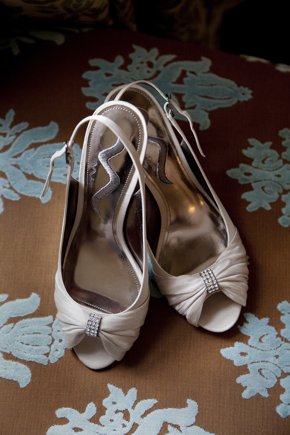 Indianapolis-Indiana-Wedding-Photographer-Crowes-Eye-Photography-Bridal-shoes.jpg
