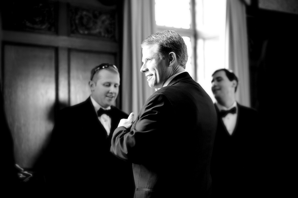 Indianapolis-Indiana-Scottish-Rite--Wedding-Photographer-Crowes-Eye-Photography-Groom-Getting-Ready.jpg