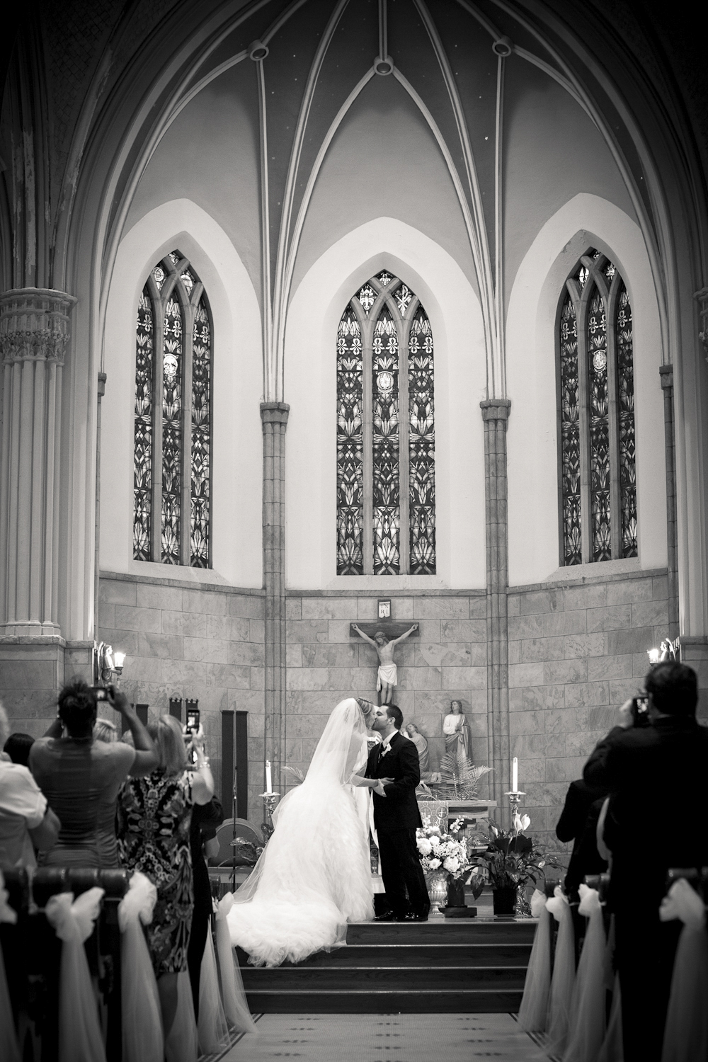 Saint-Marys-Cathedral-Indianapolis-Indiana-Wedding-Photographer-Crowes-Eye-Photography-302.jpg