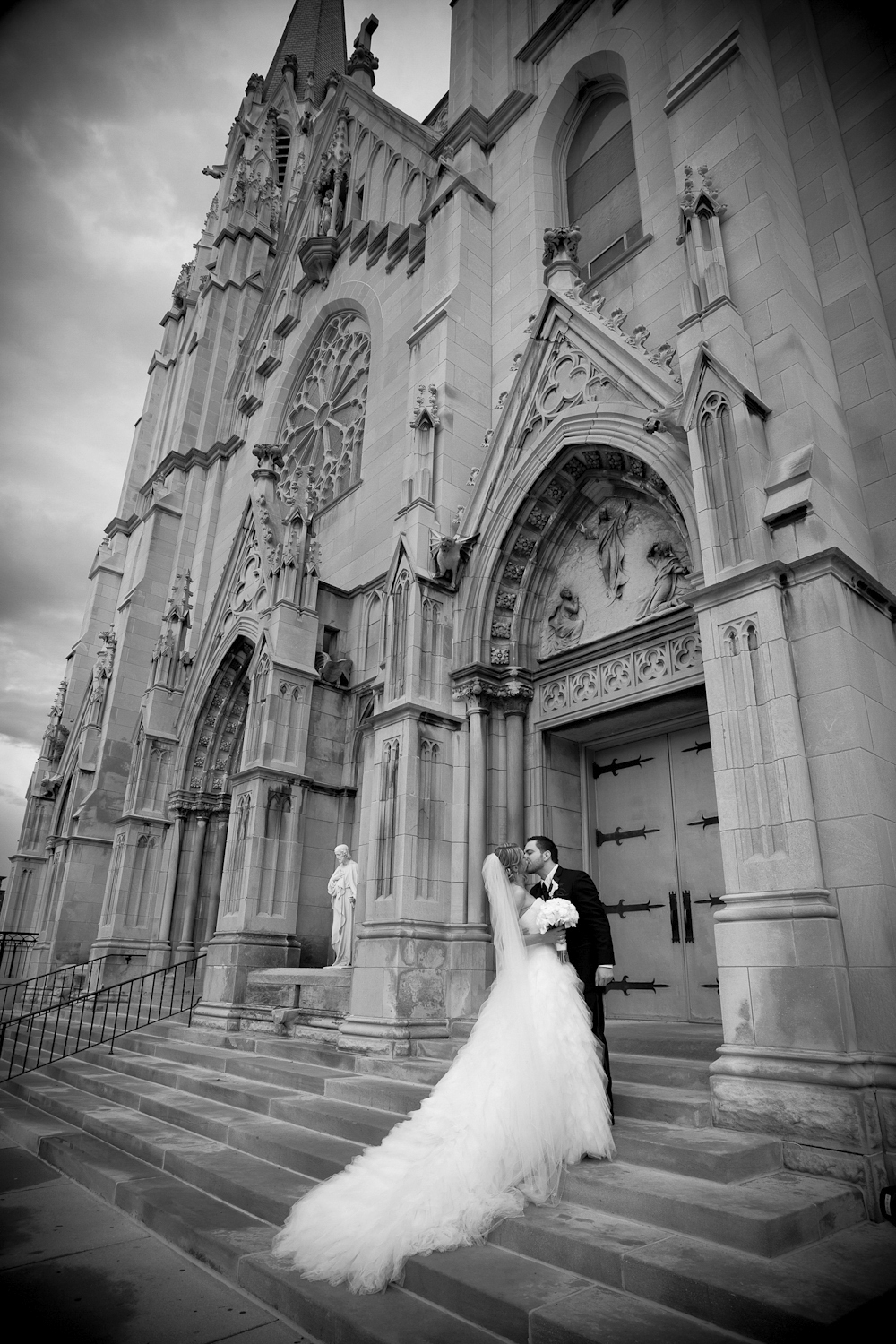 Saint-Marys-Cathedral-Indianapolis-Indiana-Wedding-Photographer-Crowes-Eye-Photography-476.jpg