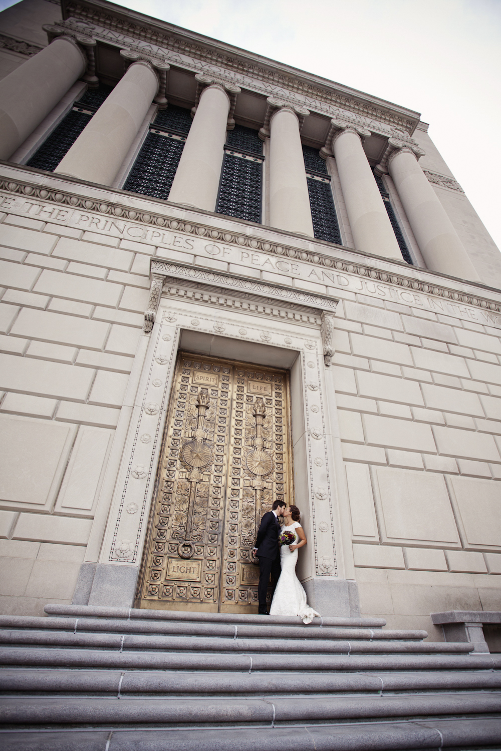 Indianapolis-Indiana-War-Memorial-Wedding-Photographer-Crowes-Eye-Photography-Bride-Groom-Ceremony-2624.jpg