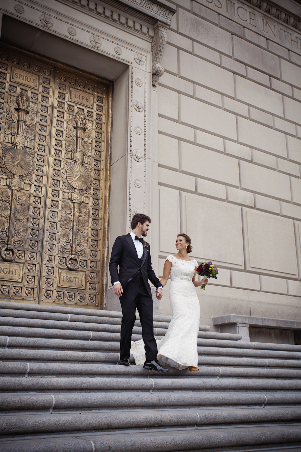 Indianapolis-Indiana-War-Memorial-Wedding-Photographer-Crowes-Eye-Photography-Bride-Groom-Ceremony-2634.jpg