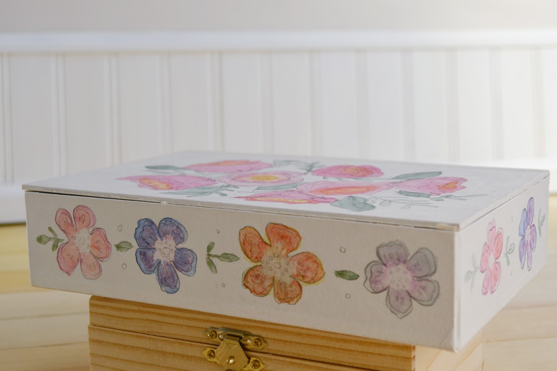 Here is the trunk with the watercolor flowers finished.