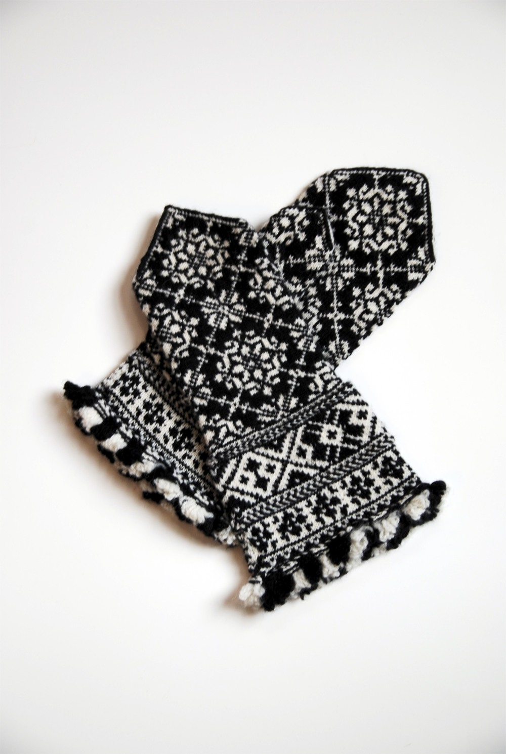 Latvian mittens, designed by Liz Upitis, knit by me