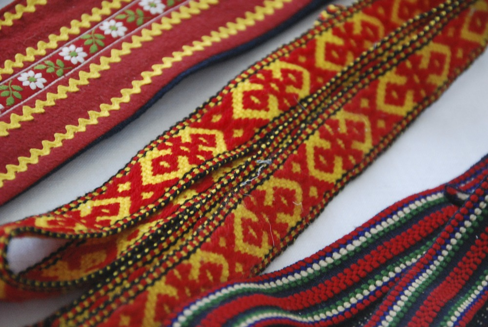 woven belts and laces