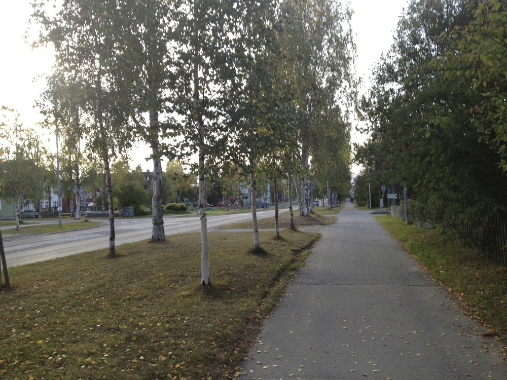 the walkway on the mainstreet of Jokkmokk