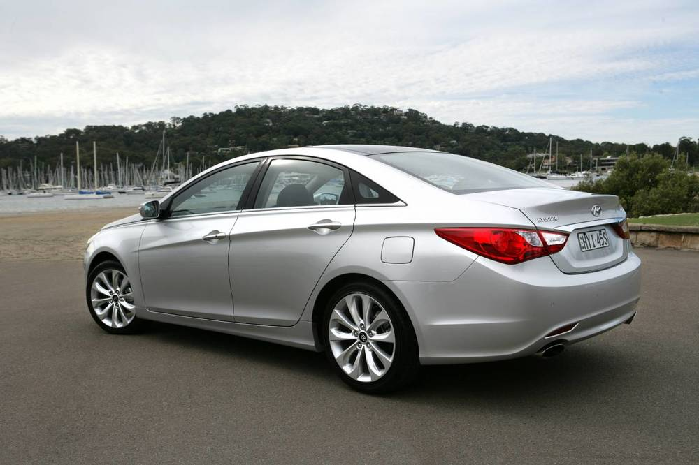 2010 Hyundai i45 Premium sedan - nice car; shame about the ride and handling
