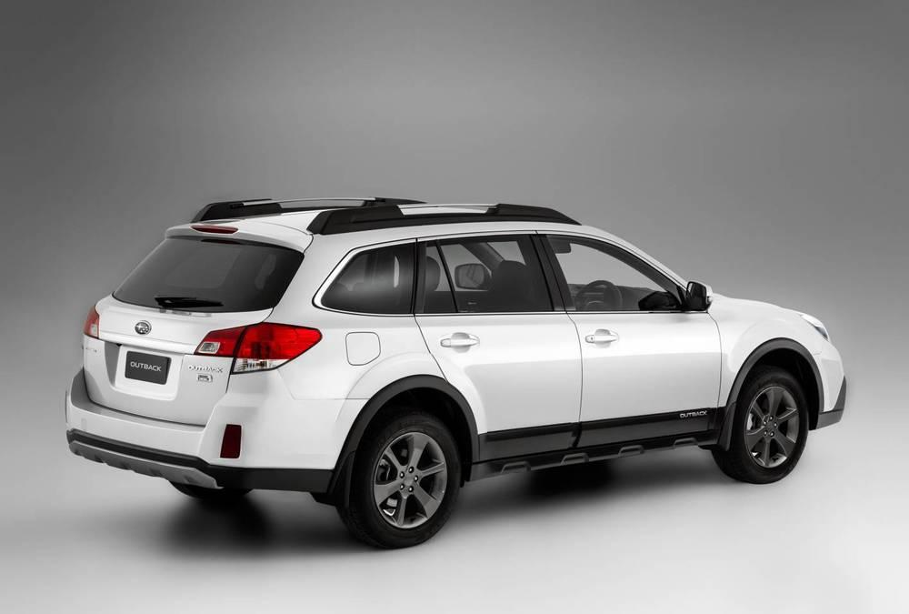 2014 Subaru Outback rear.jpg
