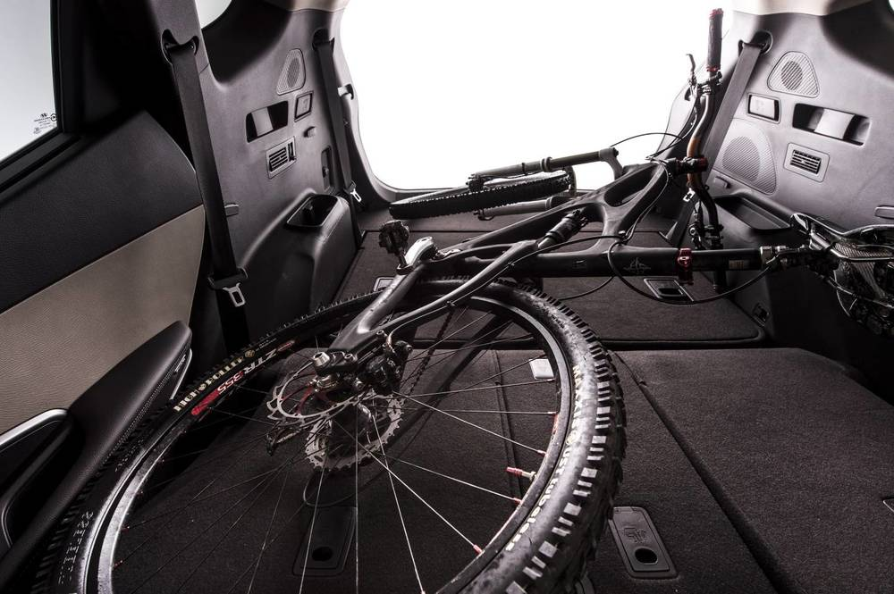 Note the third row of seats is basically underneath the bicycle's handlebars and folds away completely flat when not needed - very smart packaging. The second row folds nearly flat as well