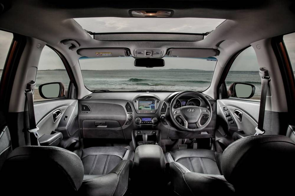 2014 Hyundai ix35 interior .jpg