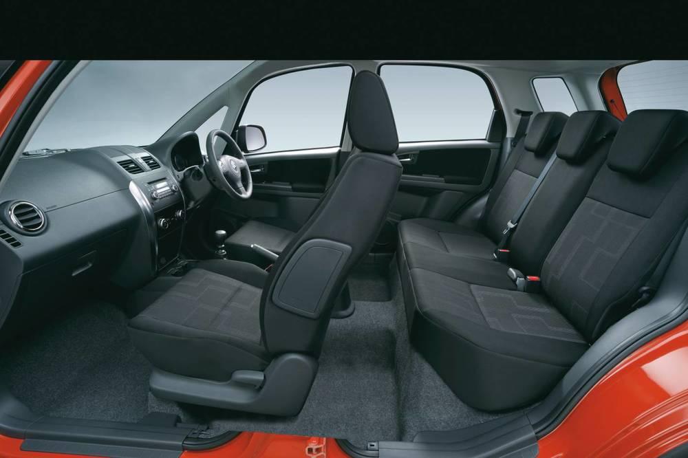 2014 Suzuki SX4 interior.jpg