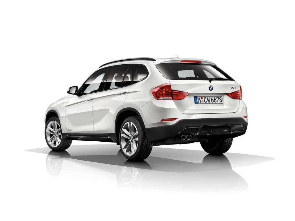 2014 BMW X1 rear.jpg
